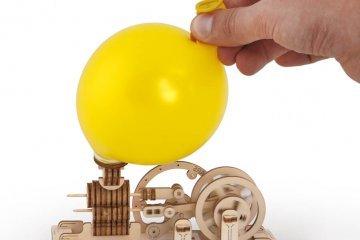 Basic principles of mechanics:  a visual aid